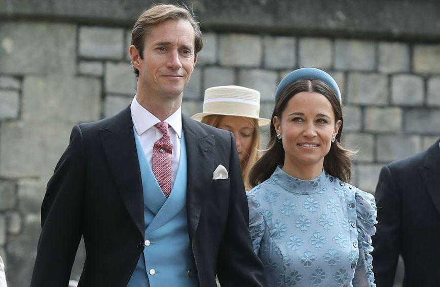 Pippa Middleton odjenula se u plavu boju od glave do pete