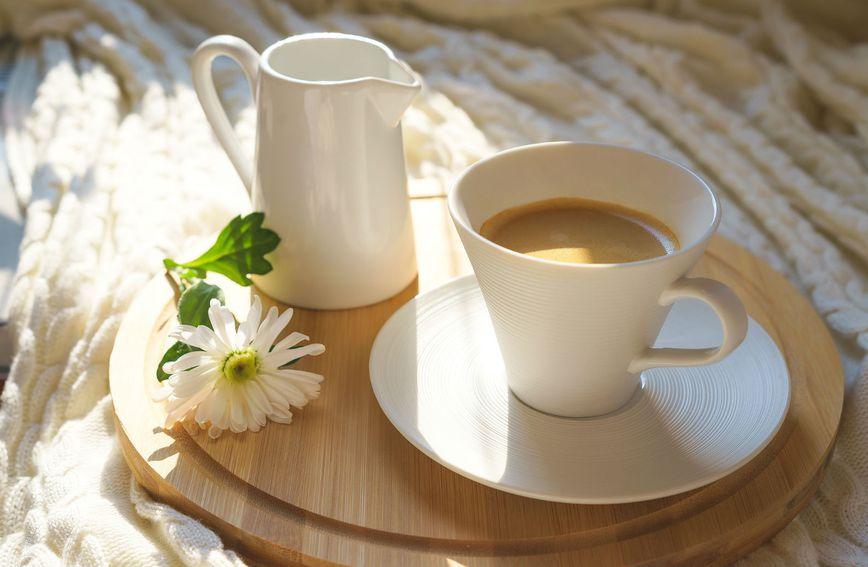 Viša razina želučane kiseline, koja nastaje zahvaljujući klorogenoj kiselini iz kave, aktivira rad probavnog trakta