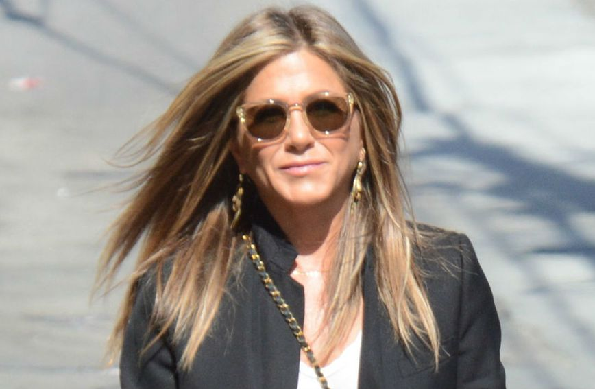 Jennifer Aniston - 3