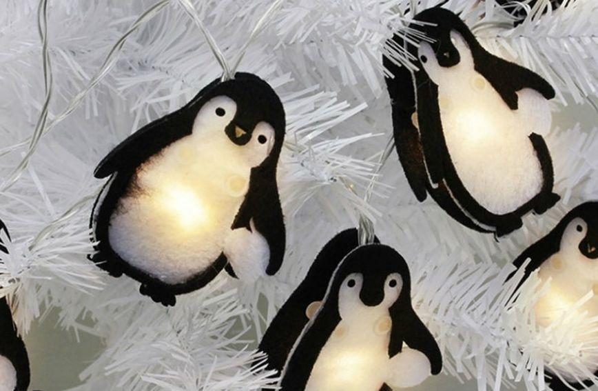 Božićne lampice u obliku pingvina