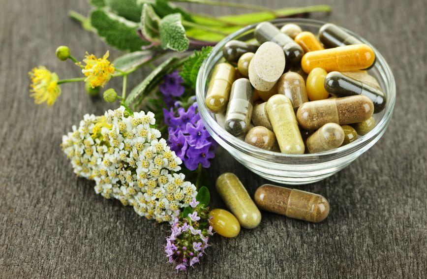U multivitaminskim suplementima obično su zastupljeni vitamini A, B, C, D i E.