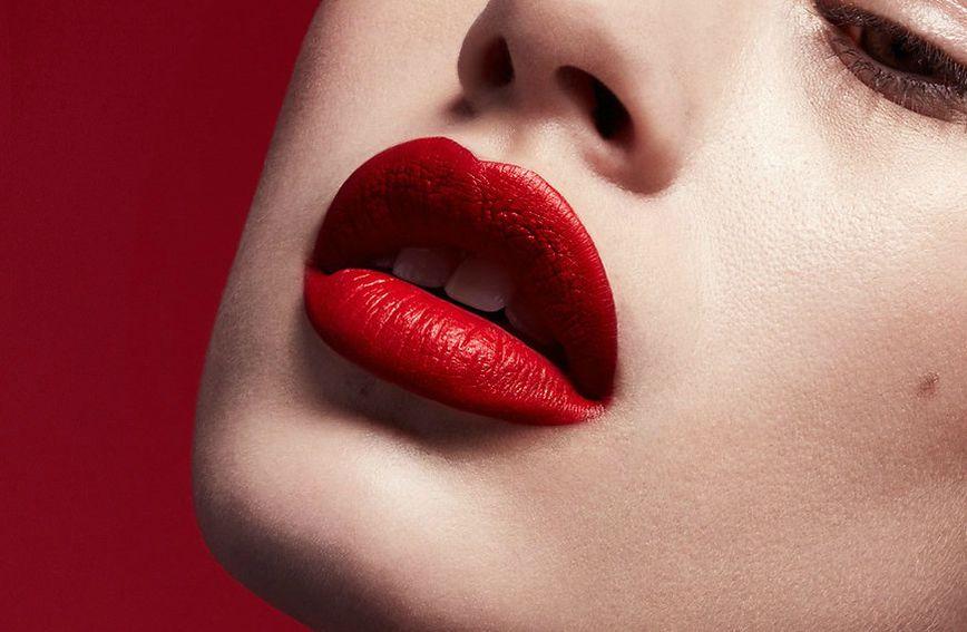 Ruž Stunna Lip Paint brenda Fenty Beauty by Rihanna