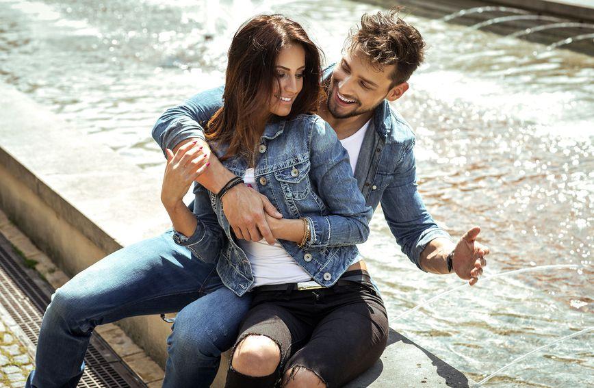 Mnogi parovi u vezi sve češće u razgovorima stalno govore 'mi'