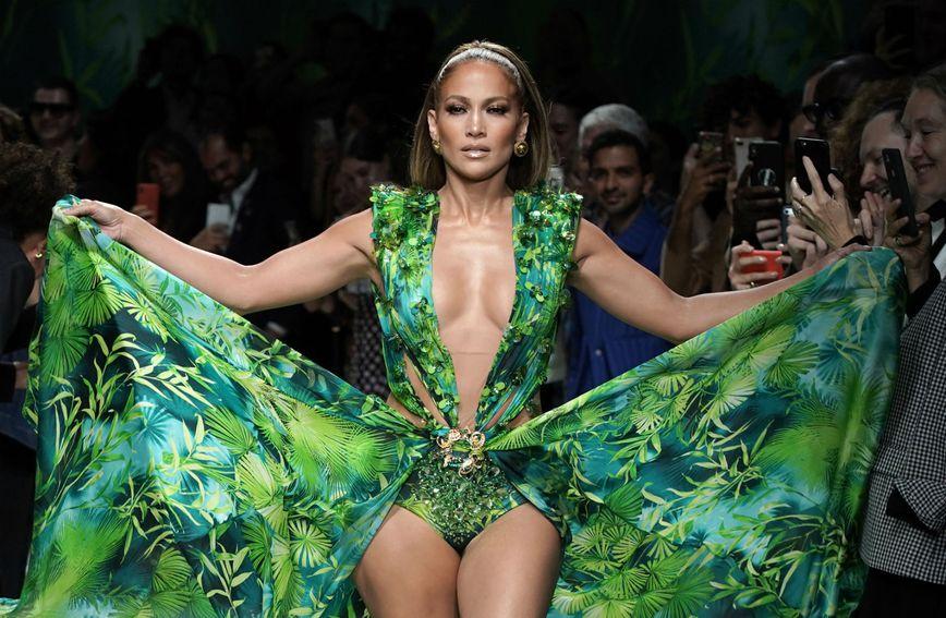 Jennifer Lopez u replici slavne haljine iz 2000. godine