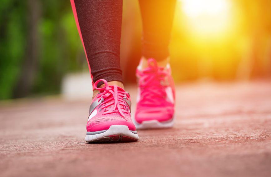 Lagana šetnja poslije večere sjajna je stvar koju možete učiniti za svoje zdravlje