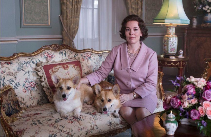 Olivia Colman zamijenila je sjajnu Claire Foy u ulozi kraljice Elizabete II.