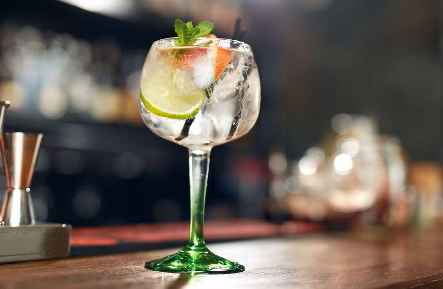 Džin-tonik mnogim damama omiljeno je piće
