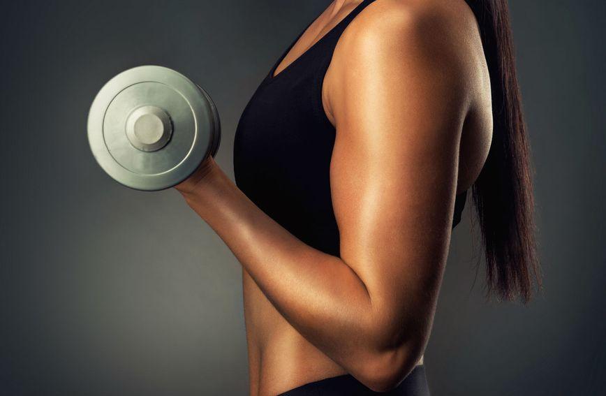 Dizanje utega jača mišiće i kosti
