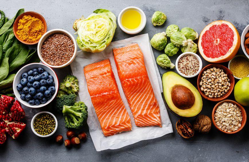 Losos ili druga masna riba dobar su izbor za zdrav ručak ili večeru