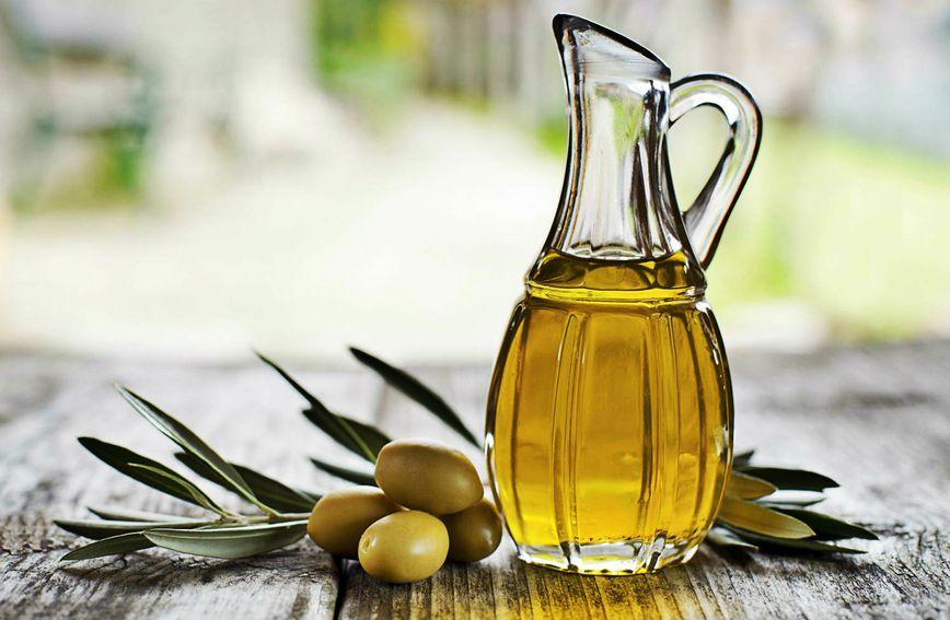 Maslinovo ulje je najbolja masnoća koju poznajemo, ali i ono je vrlo kalorično