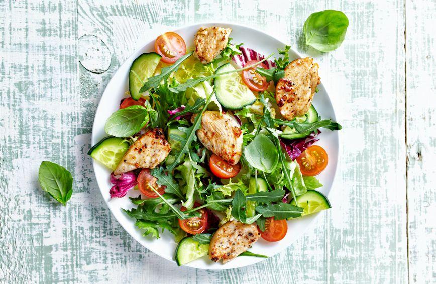 Dijeta od 21 dan funkcionira na principu prehrane koja je u kalorijskom smislu ograničena