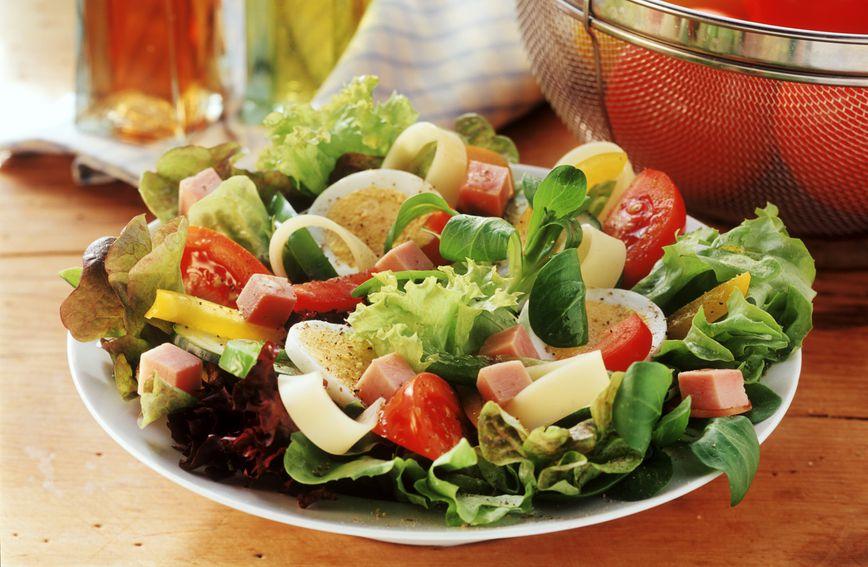 Salata s jajima i povrćem