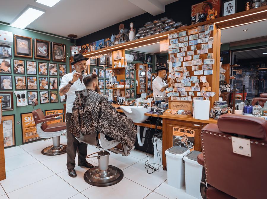 Cijela brijačnica napravljena je u vintage stilu