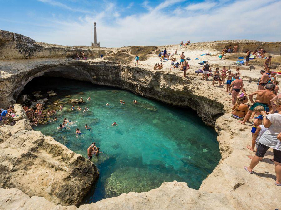 Prirodni bazen Grotta della Poesia u Italiji