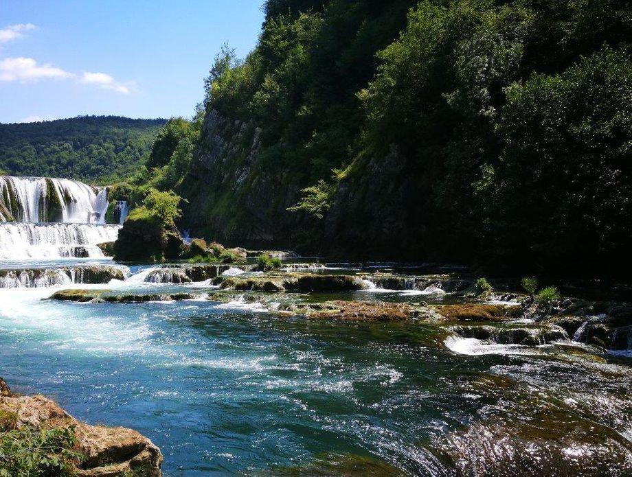 Nacionalni park Una u BiH - Štrbački buk iz daljine (Foto: Branimir Vorša) - 6