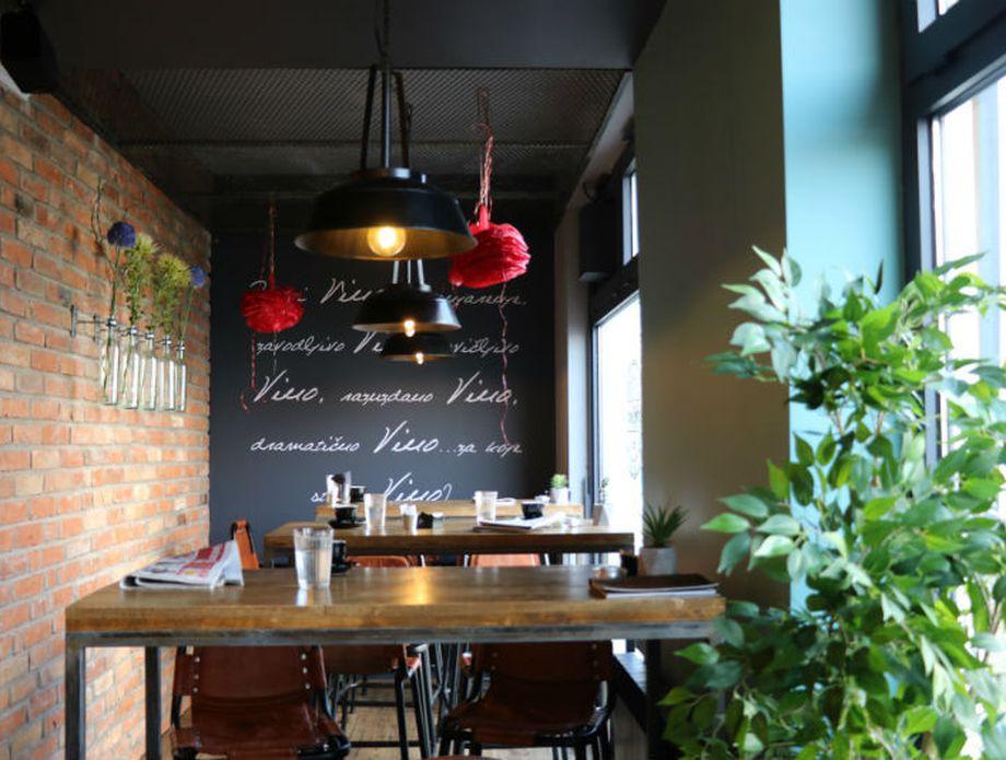 Bellucci Caffee & Wine Bar - 4