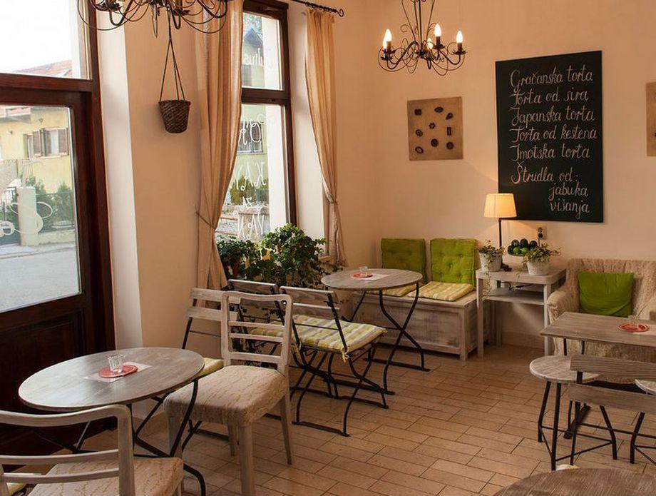 Ivy caffe bar