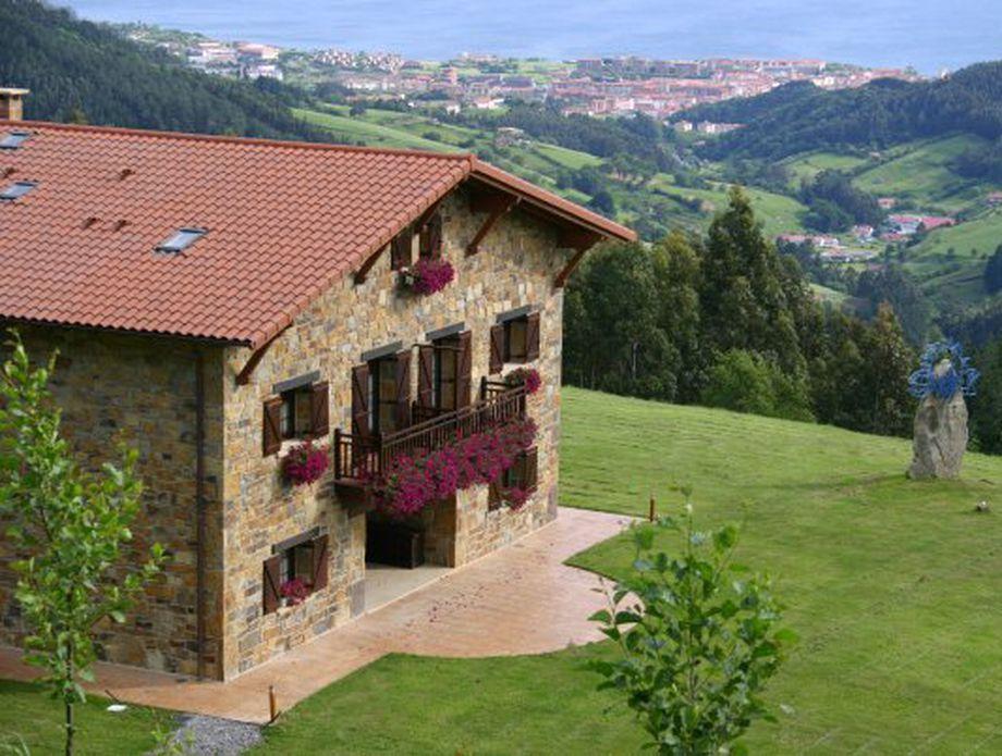 Lurdeia Casa Rural