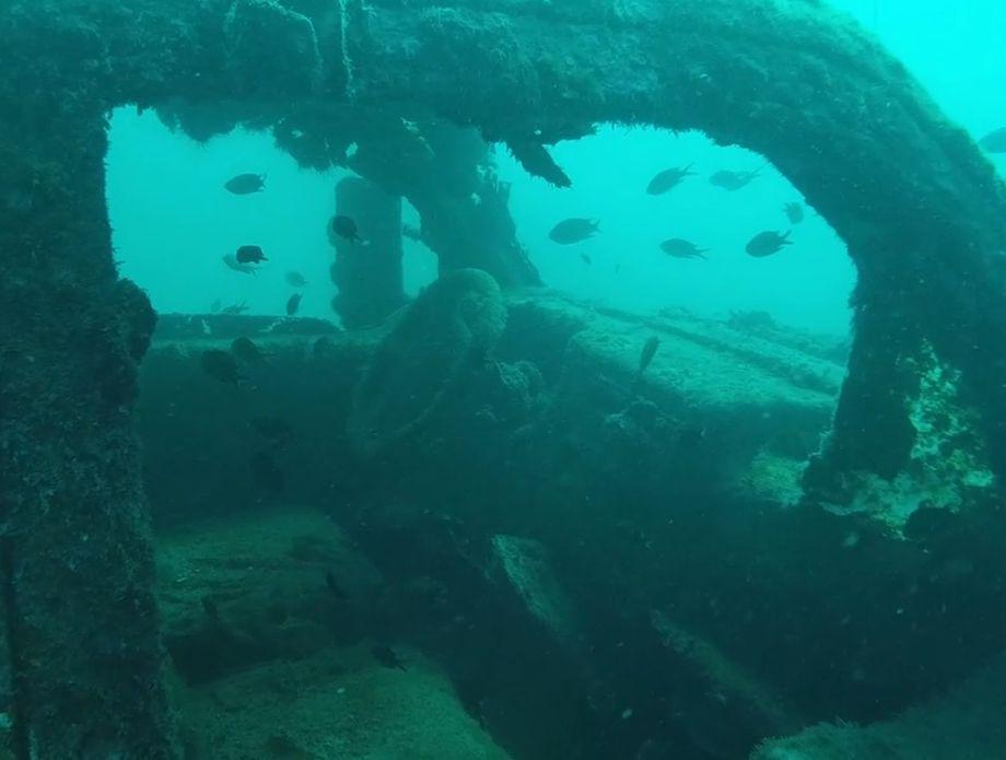 Kamion na dnu mora