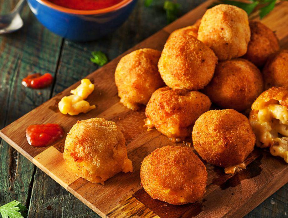 Pohane kuglice makarona sa sirom