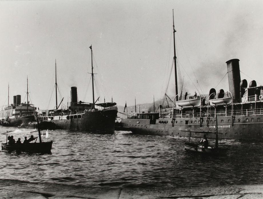 Parobrod Baron Gautsch, Metkovic i Graf Wurmbrand u Trstu 1910. godine