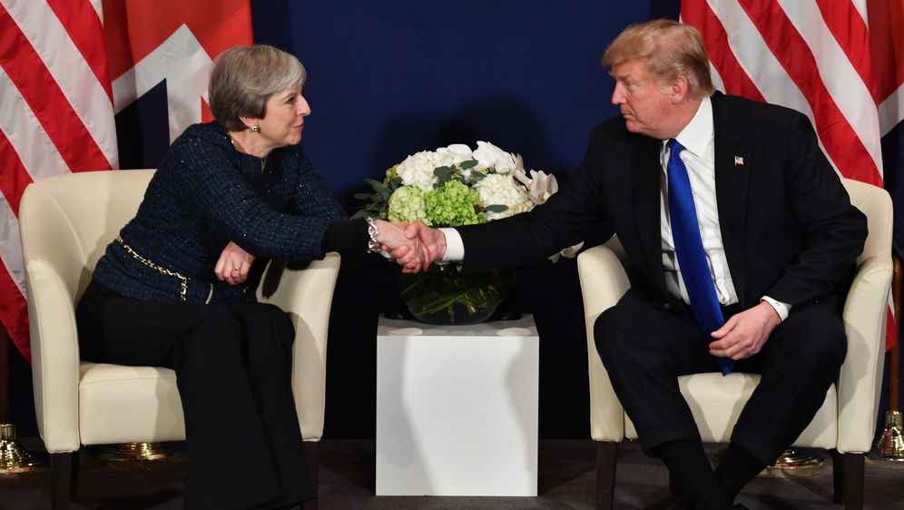 Theresa May i Donald Trump (Foto: AFP)