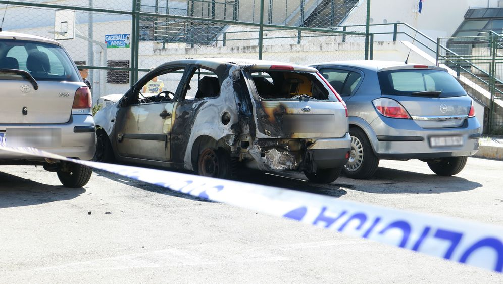 Zapaljen auto u Splitu (Foto: Ivo Cagalj/PIXSELL)