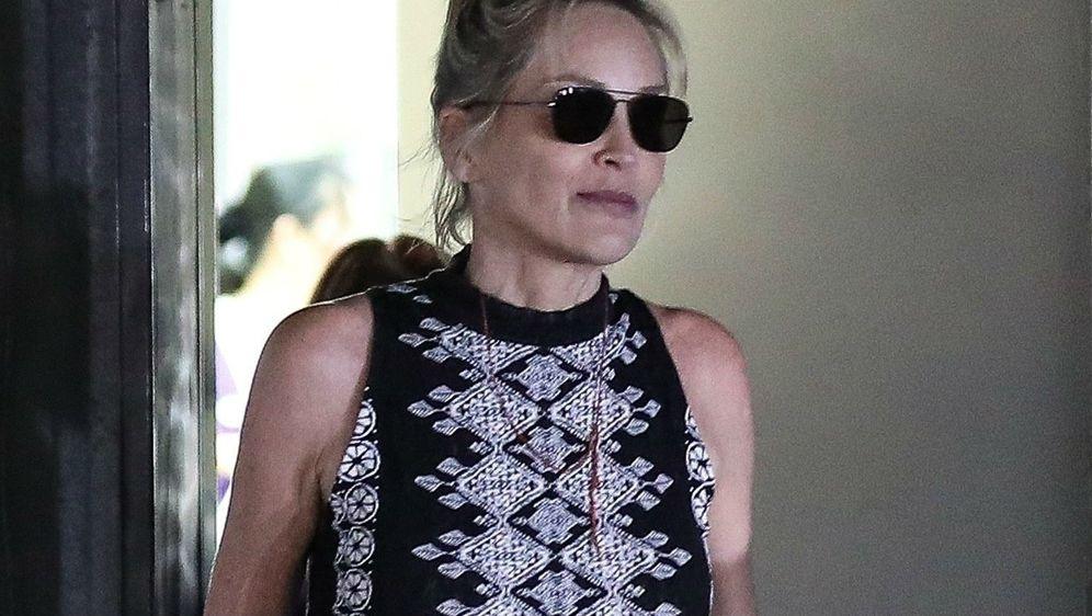 Sharon Stone posjetila je kozmetički salon na Beverly Hillsu