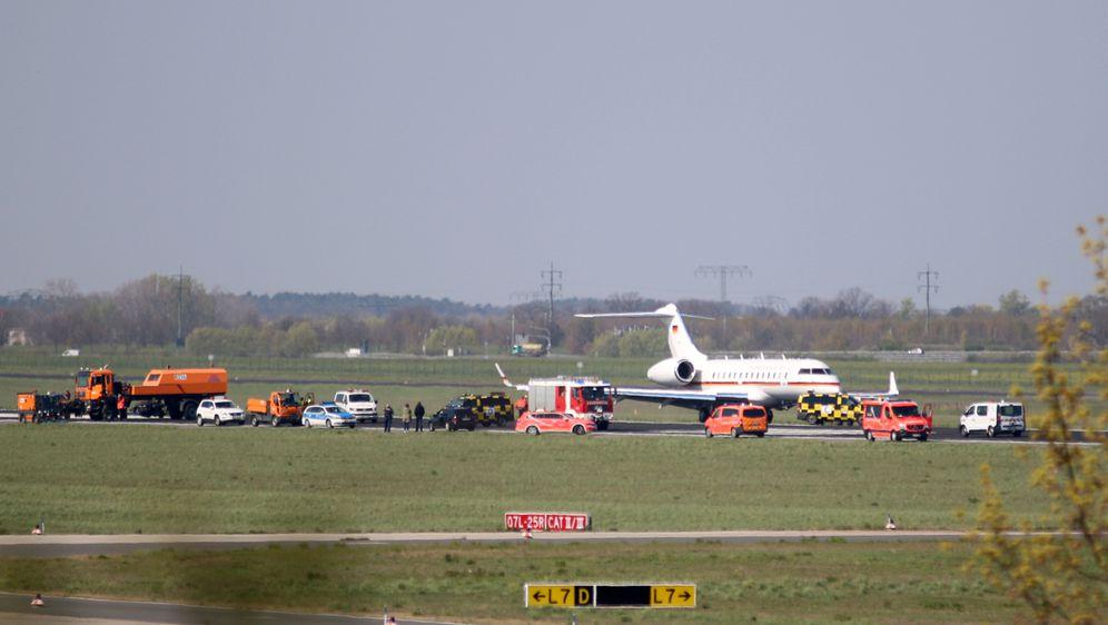 Kvar na avionu u Njemačkoj (Foto: AFP)