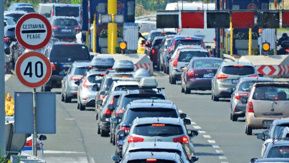 Gužve na autocesti (Foto: Borna Filic/PIXSELL)