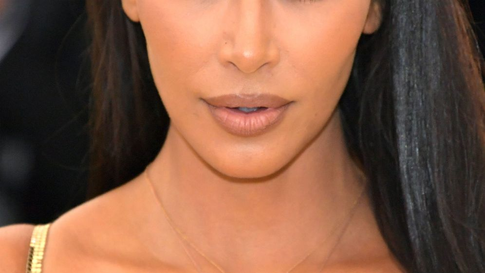 Kim Kardashian rado nosi ruževe u smeđim tonovima