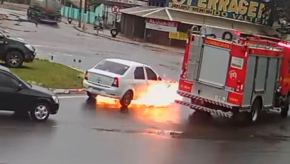 Požar na raskrižju (Foto: Screenshot/YouTube)