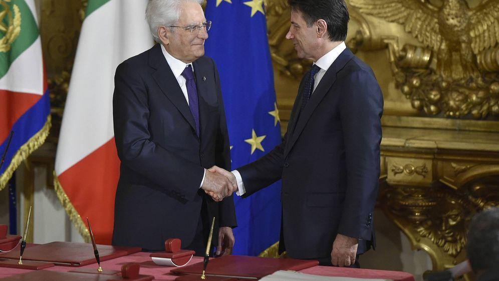 Sergio Mattarella i Giuseppe Conte (Foto: IPA/PIXSELL)