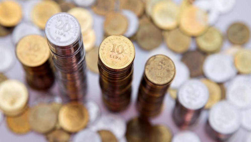 Plaćanje kovanicama (Foto: Davor Puklavec/PIXSELL)