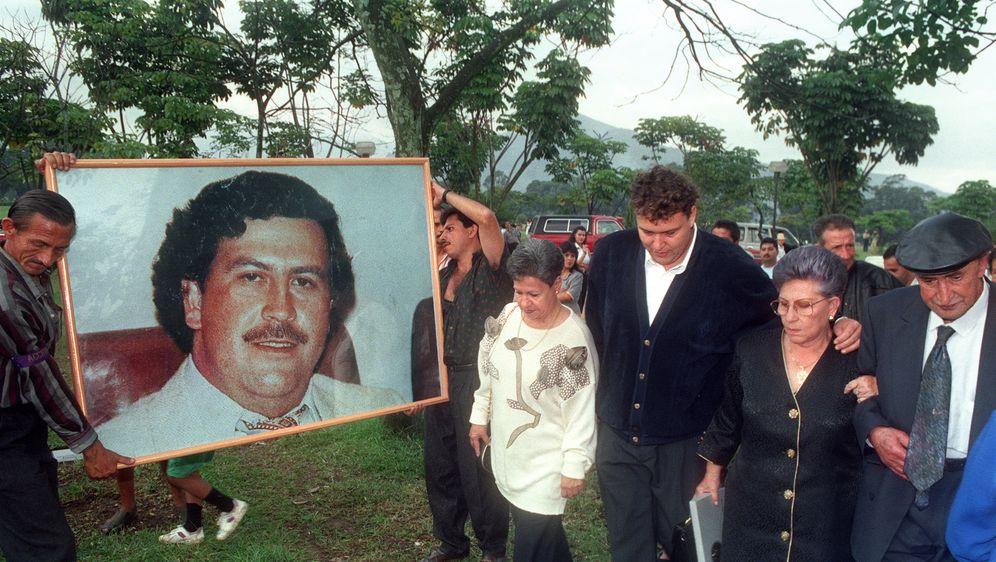 Pogreb Pabla Escobara (Foto: AFP)
