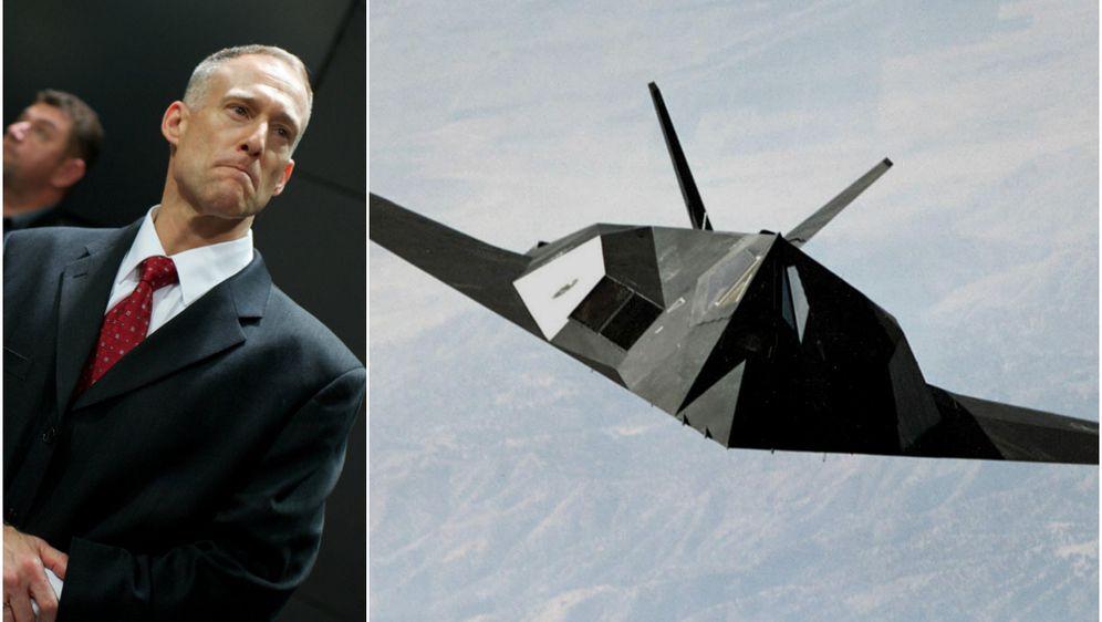 Dale Zelko i F-117 (Foto: Arhiva/AFP)