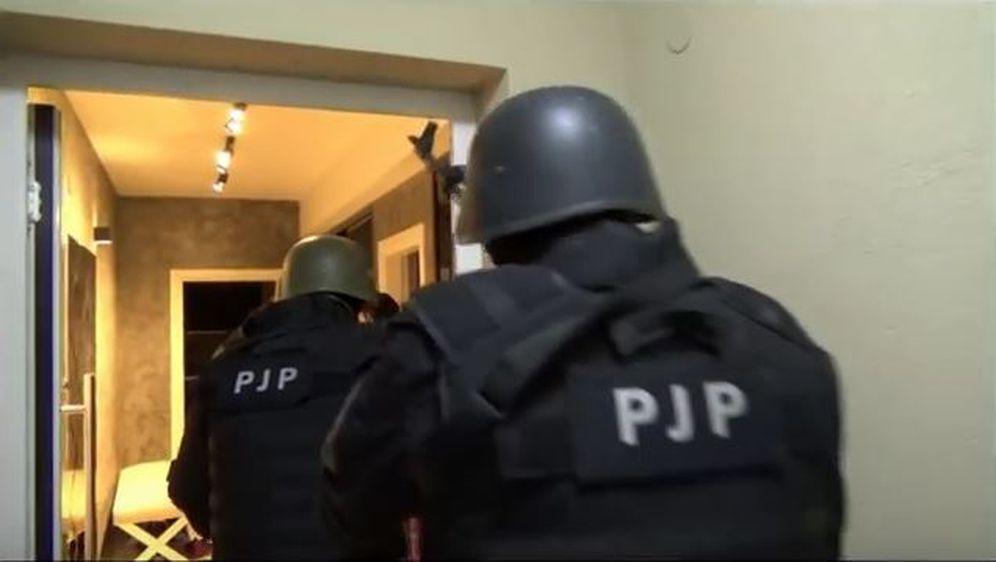 Policija objavila snimku upada u ozloglašeni
