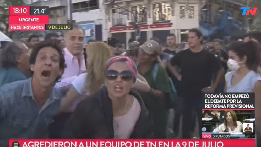 Julio Bazán u bolnici je 'zakrpan' s pet šavova (FOTO: YouTube/Screenshot)