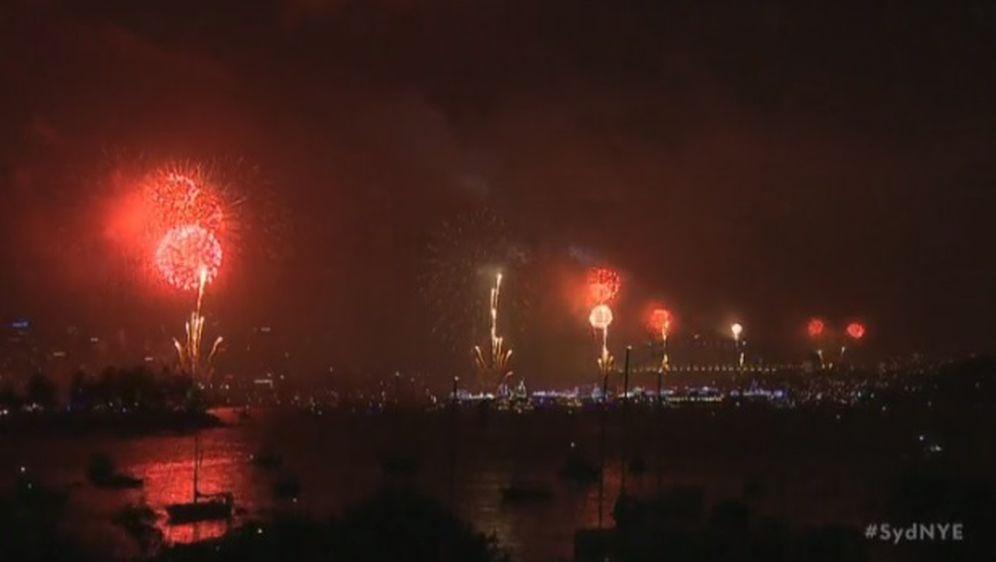 Vatromet u Australiji (Foto: screenshot/Reuters)