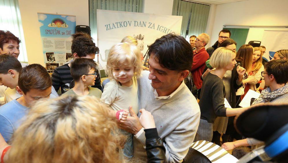 Zlatko Dalić posjetio je male pacijente u Klinici za pedijatriju KBC-a Zagreb