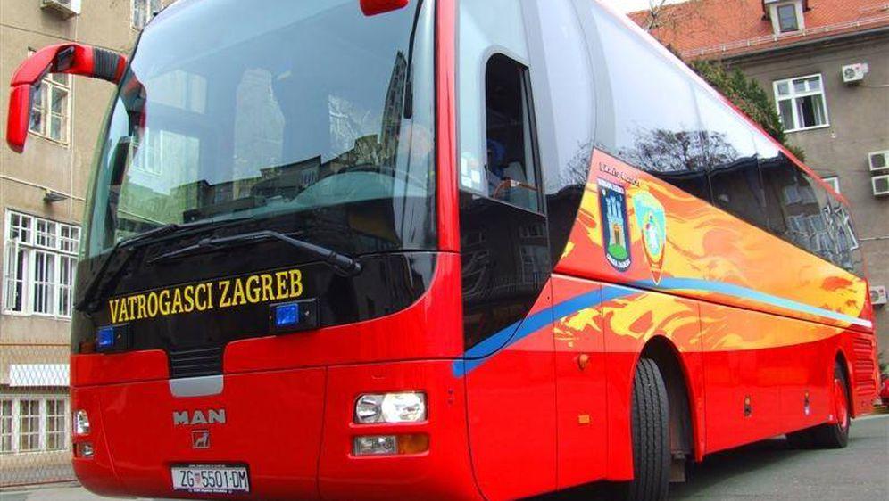 Vatrogasni autobus (Foto: Dobrovoljno vatrogasno društvo vodice/Facebook)