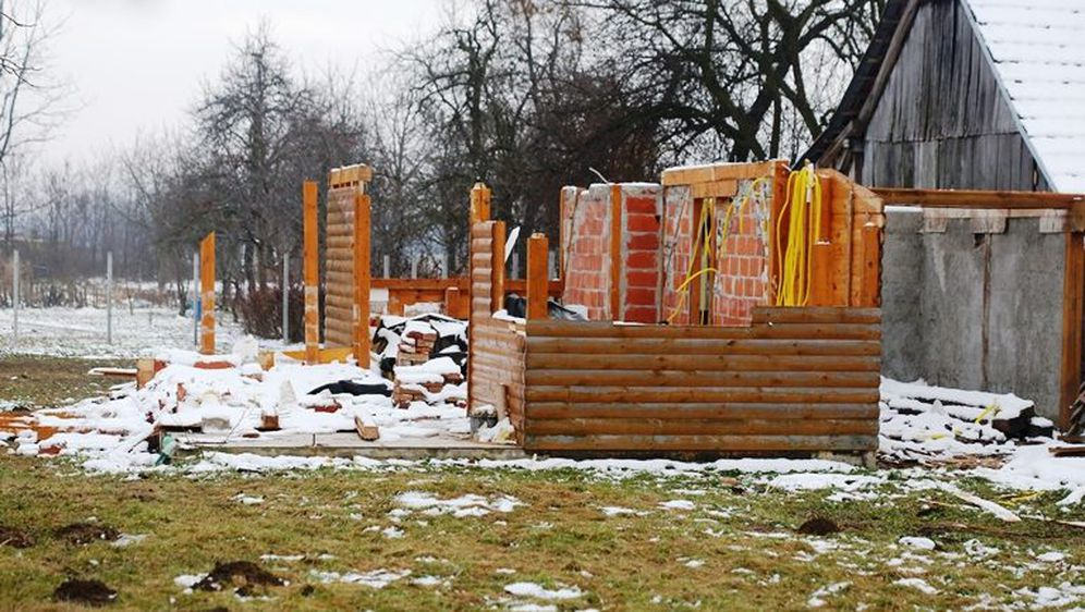Demontirana kućica (Foto: Dubravko Vutuc)