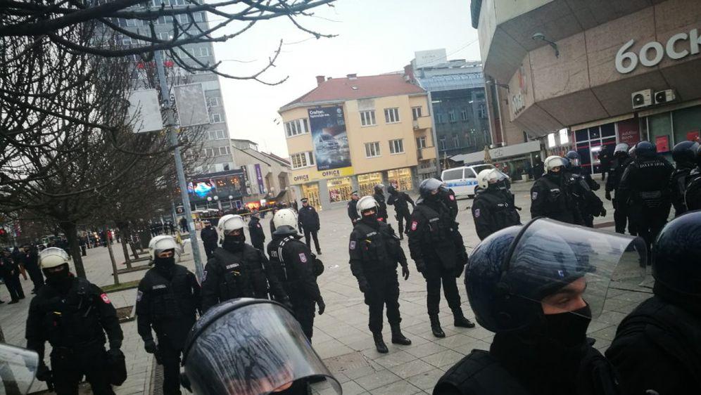 Prosvjed u Banjoj Luci zbog uhićenja Davidovog oca i majke (Foto: Avaz.ba) 2
