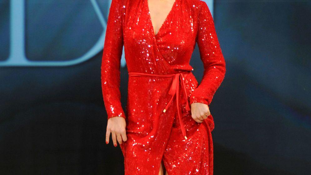 Haljina na preklop stoji ženama svih konfekcijskih brojeva