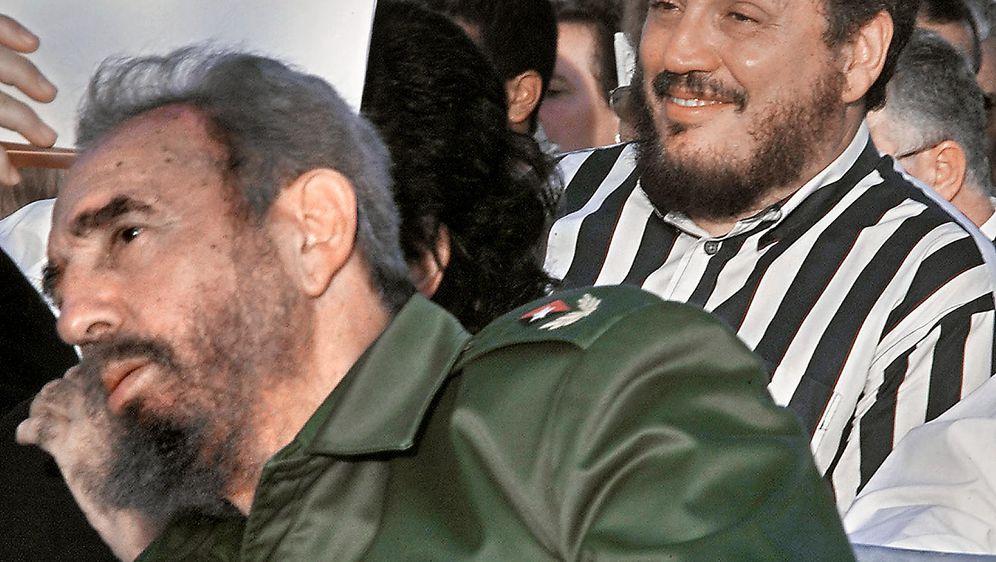 Fidel Castro i njegov najstariji sin Fidel Castro Diaz-Balart (Foto: AFP)