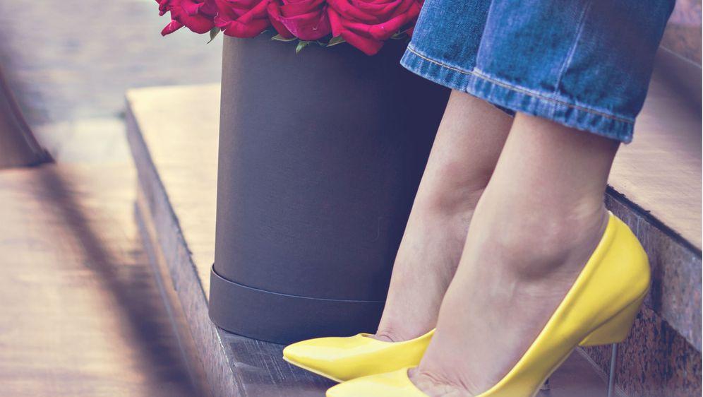 Štikle u žutoj boji izgledaju efektno i ženstveno