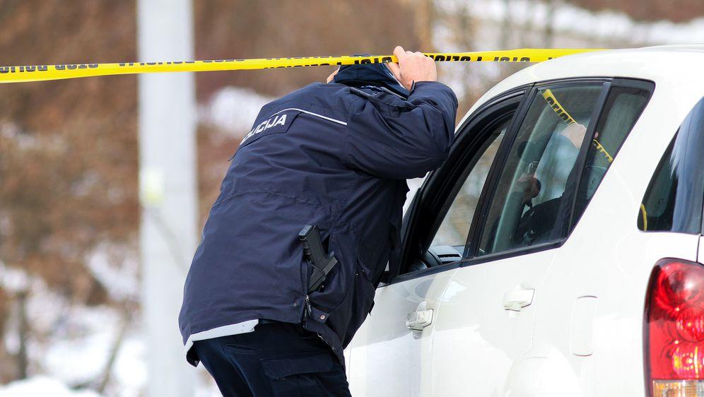 Policija u Suhodolu u BiH (Foto: Armin Durgut/PIXSELL) - 6