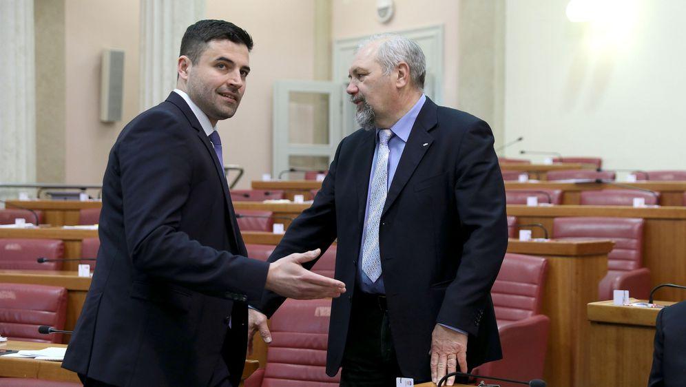 Davor Bernardić i Silvano Hrelja u sabornici (Foto: Patrik Macek/PIXSELL)