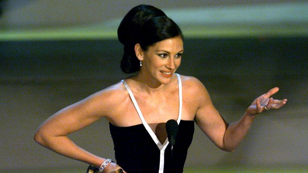 Julia Roberts na dodjeli Oscara 2001. godine