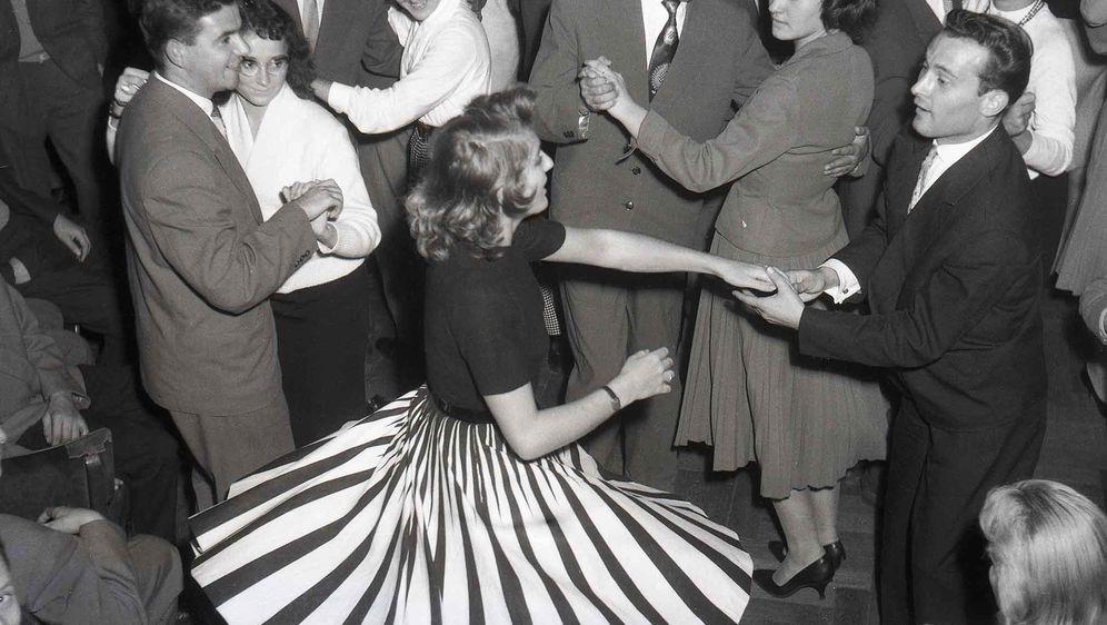 Izložba Moda i odijevanje u Zagrebu 1960-ih godina - 1